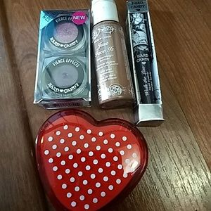NWT Hard Candy makeup bundle of 3 with free mirror